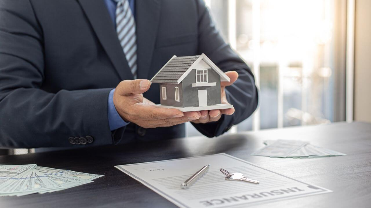 What is Homeowners Insurance Policy and Types of Home Warranty